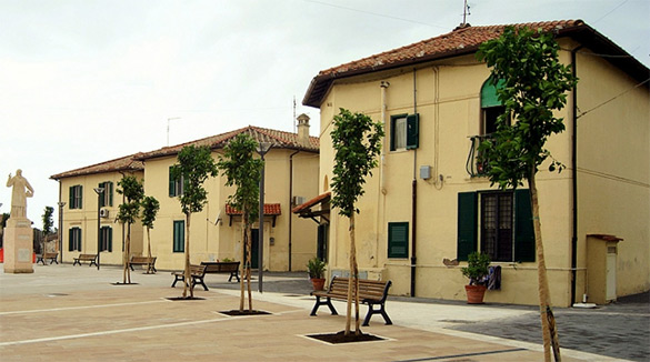 Piazza-del-Borghetto-dei-Pescatori-ad-Ostia-Lido